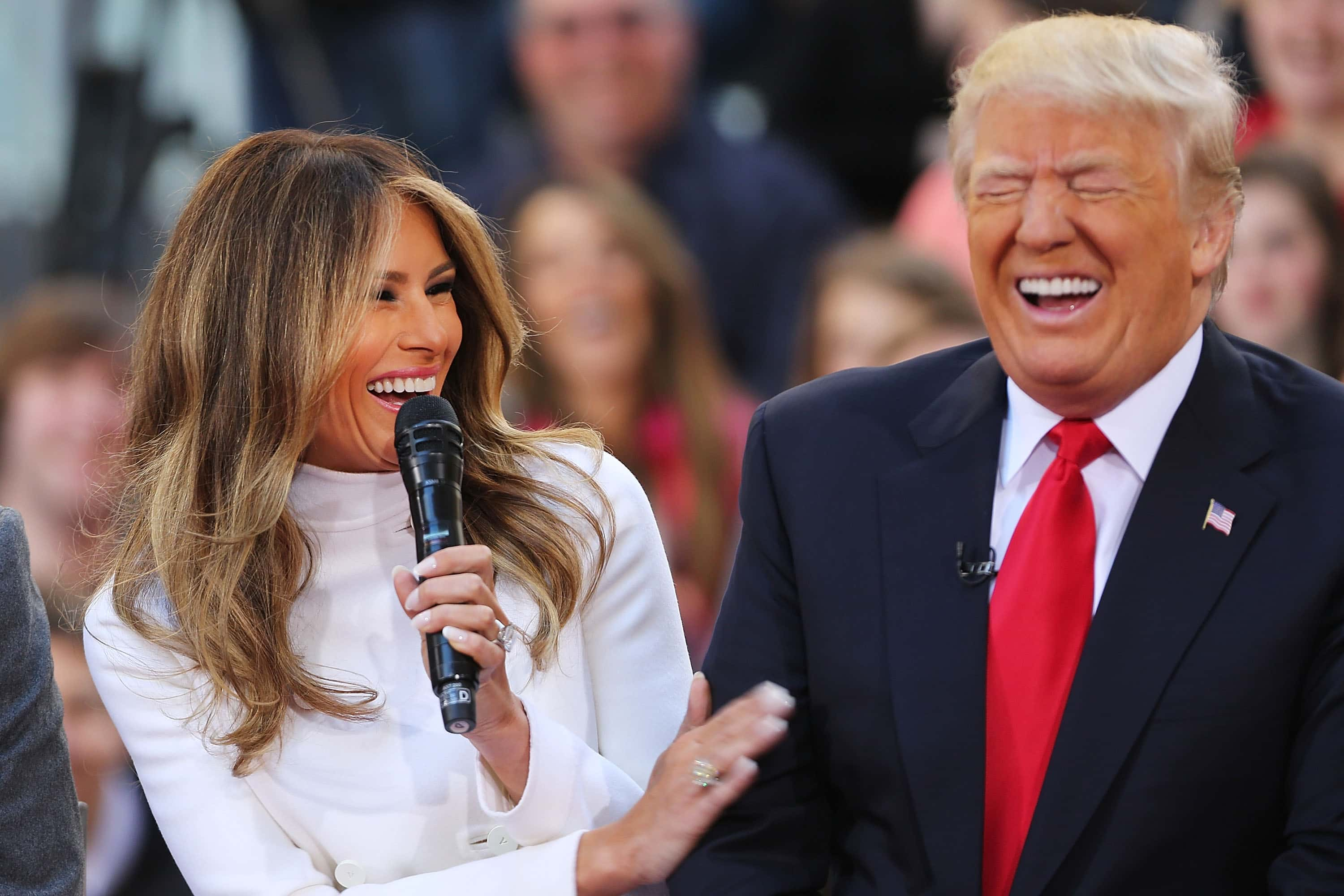 Body Language Expert On Trump-Melania Relationship: The Need To Have Her By His Side Is Very Strong